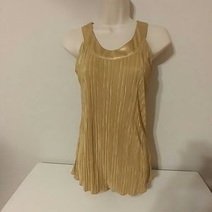 NWT gold sleeveless top